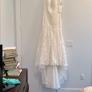 David's Bridal Dresses - Size 12 Wedding Dress